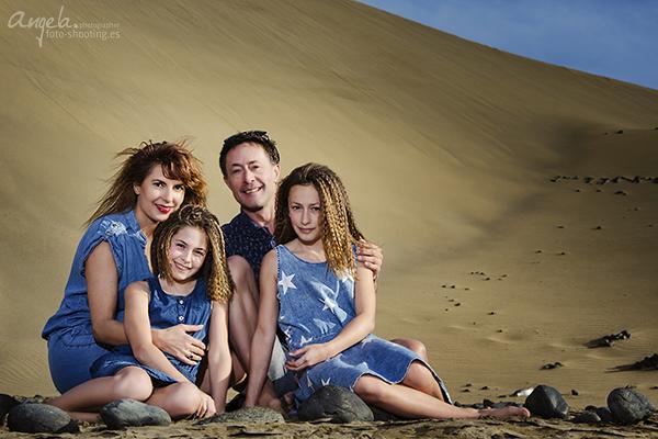 Familie in den Dünen