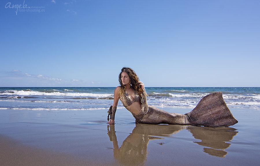 Meerjungfrau im Schlangenoutfit